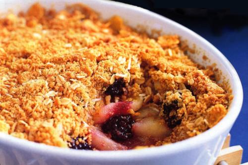 apple-and-blackberry-crumble